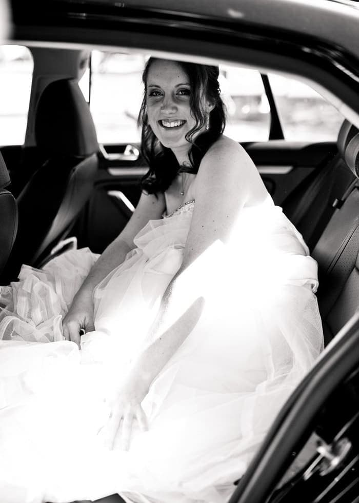 Votre Mariage à Lyon dans un véhicules haut-de-gamme pour transporter les mariés, leur famille et les convives. Le véhicule est parfaitement adapté au transport de groupes et sera décoré pour cette occasion unique.