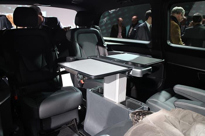 Réserver un VTC en mise à disposition pour vos déplacement sur Lyon mais également dans le Rhône et la région Auvergne-Rhône-alpes. Moving Prestige vous assure une qualité de transport d'excellence.