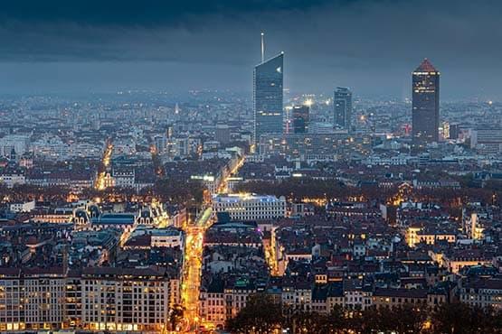 toutes vos déplacement depuis Lyon avec Chauffeur privé VTC Haut-de-gamme